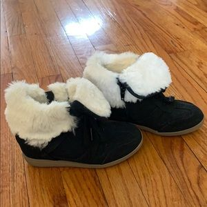Cute justice wedge suede sneaker shoes with fur